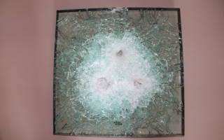 При ударе камня в стекло оно разлетается